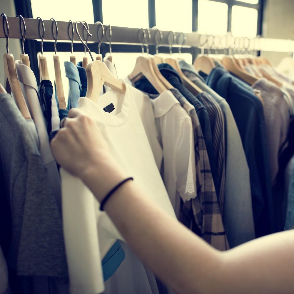 tanie ubrania i akcesoria