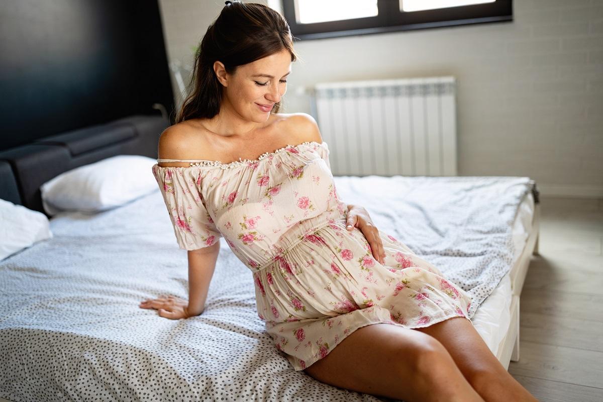 Sukienki ciążowe: 5 najładniejszych modeli