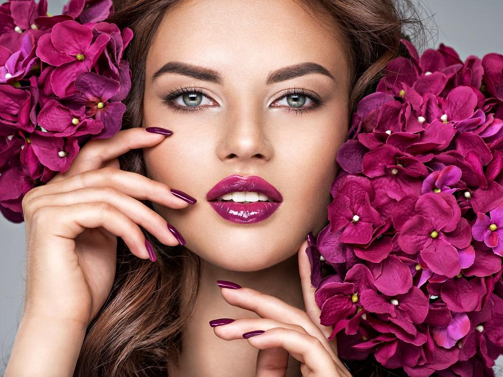makijaż ust wiosna 2021