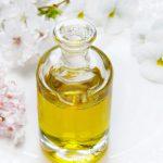Olejek z drzewa herbacianego: 6 zastosowań, które naprawdę powinnaś poznać!