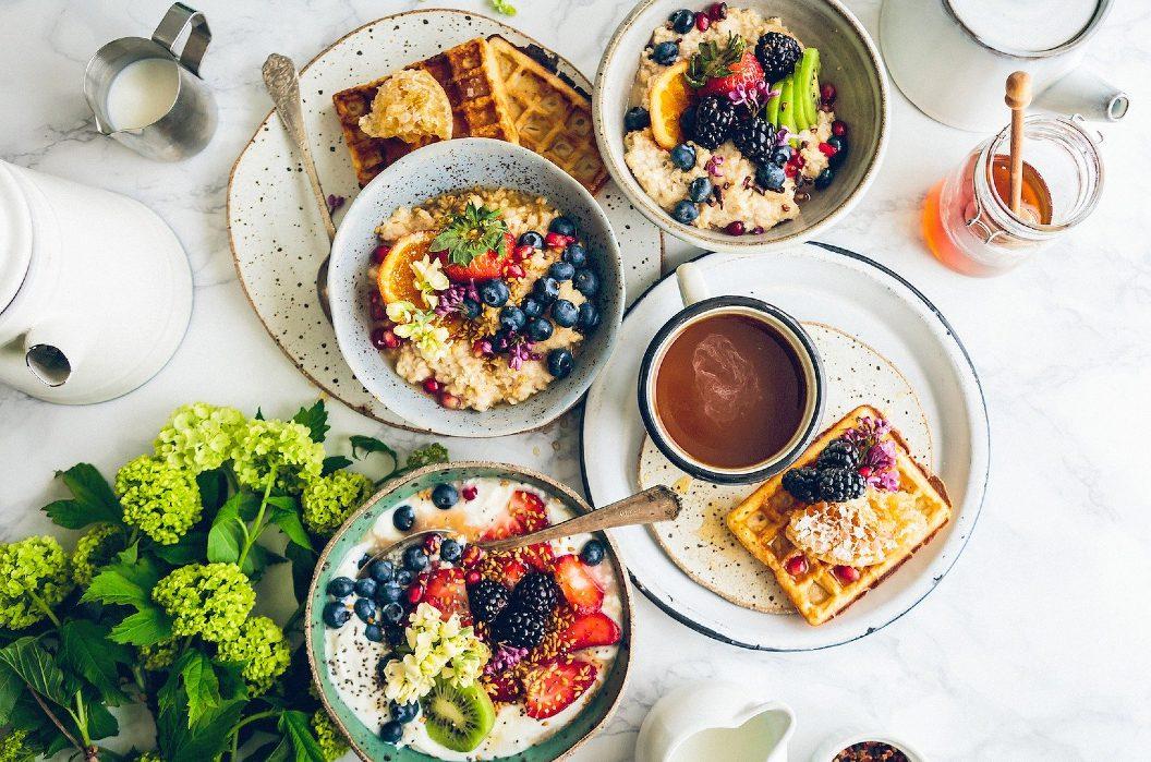 Co jeść przed treningiem rano?