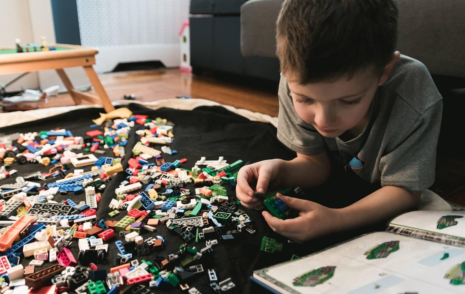 Twoje dziecko bawi się zestawem LEGO tylko raz?