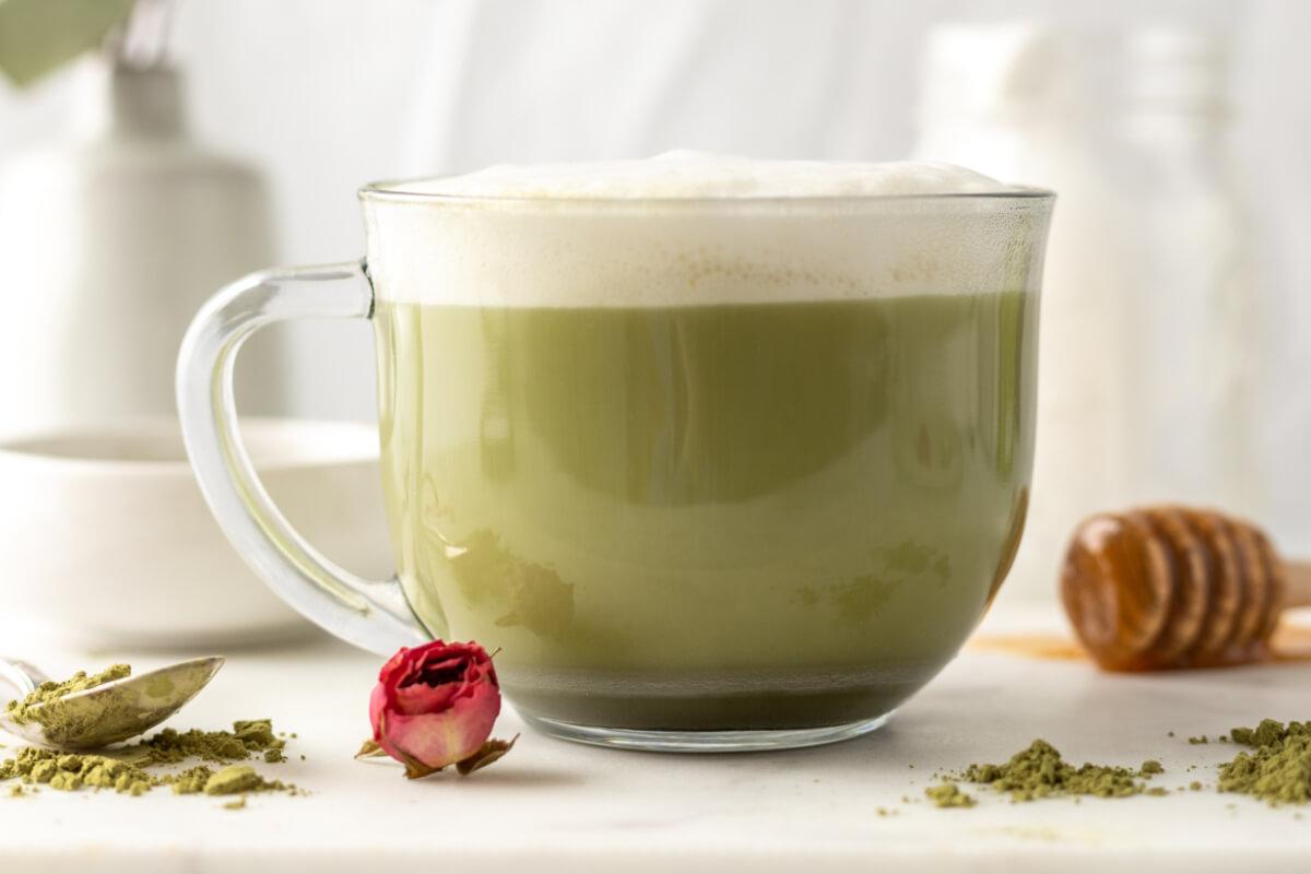 Zielona kawa na odchudzanie – czy naprawdę działa?