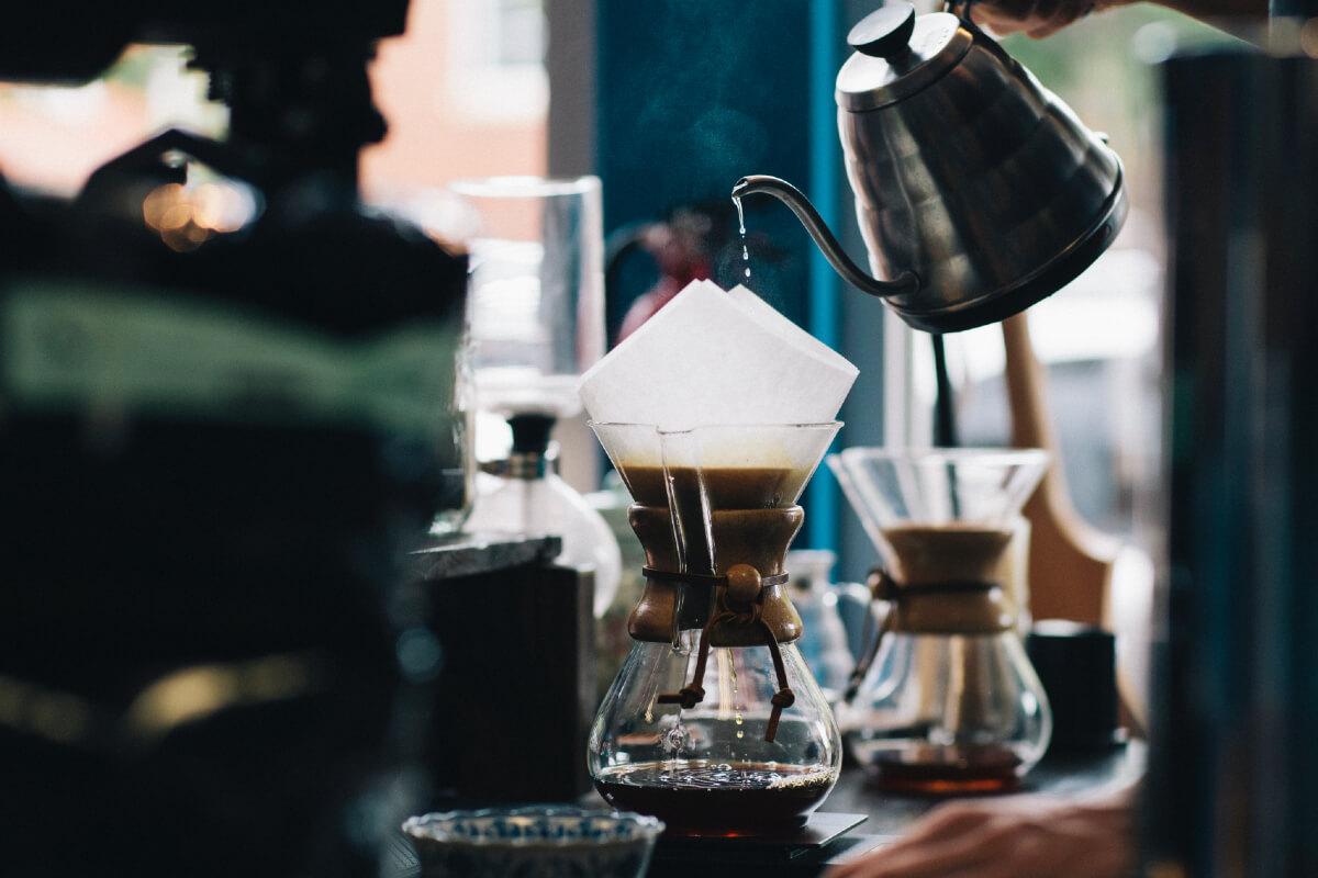 jak parzyć kawę przez filtr
