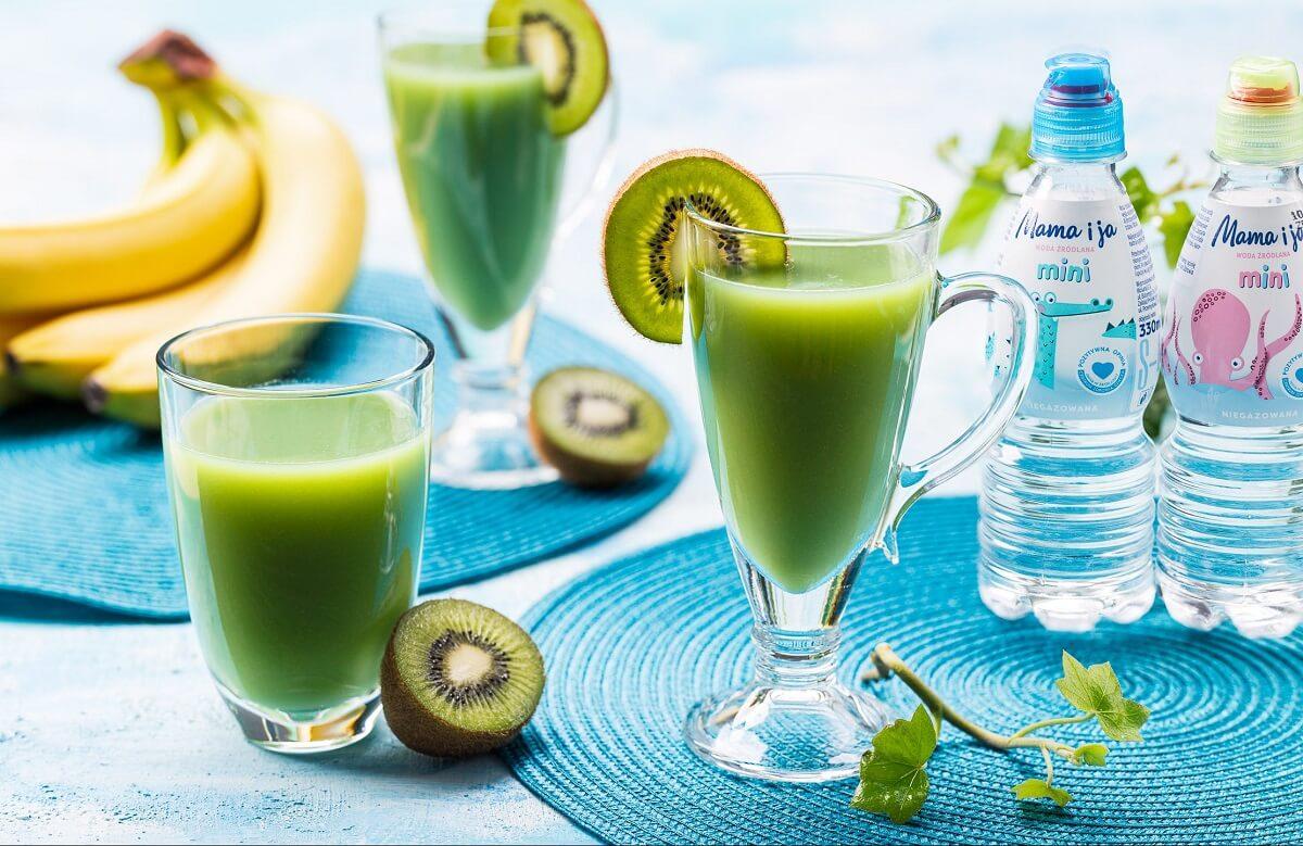 Zielone smoothie z młodym jęczmieniem