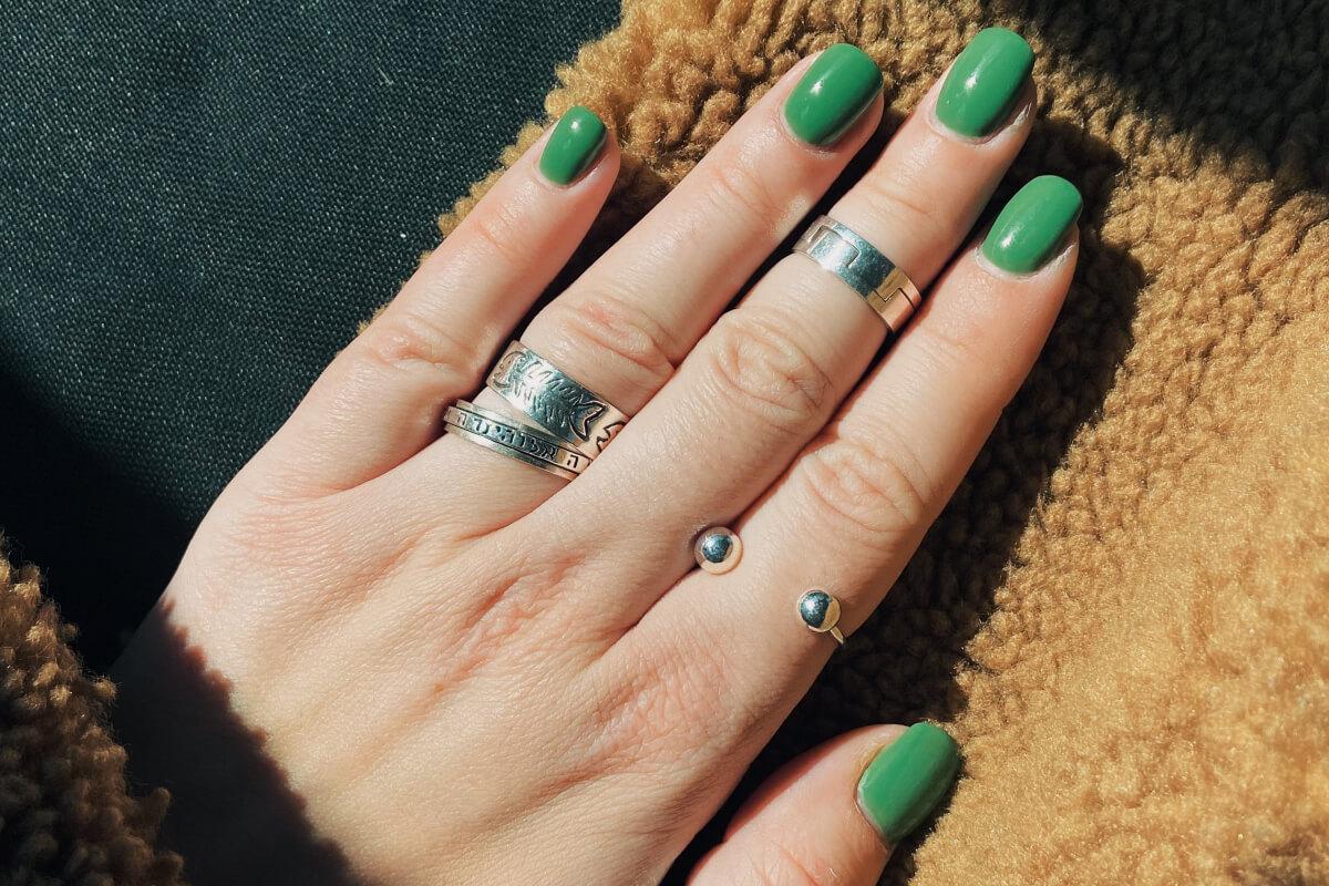 Jak ściągnąć paznokcie żelowe domowym sposobem?