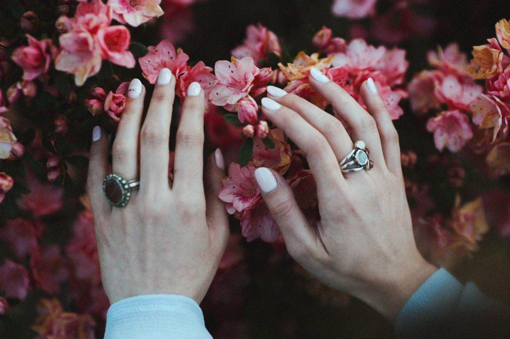 sposób-na-rozdwajające-się-paznokcie