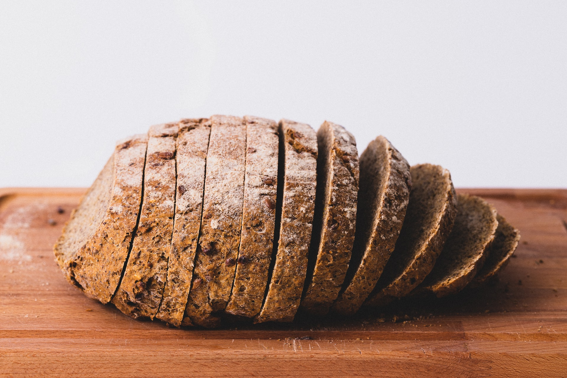 Dlaczego chleb się kruszy?